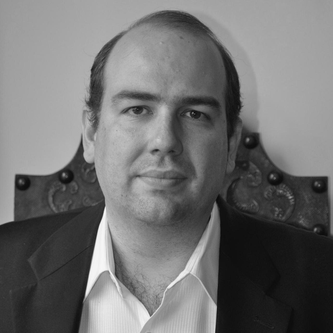 André Bandiera de Oliveira Santos, cirurgião de cabeça e pescoço.